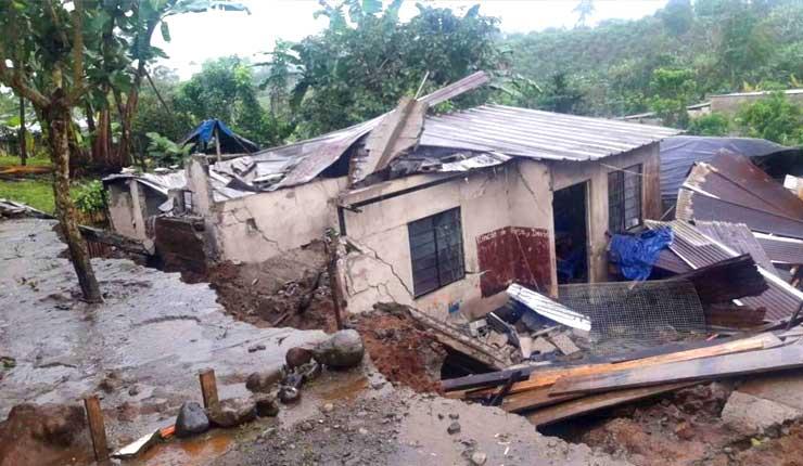 No paran las emergencias por lluvias en Santo Domingo