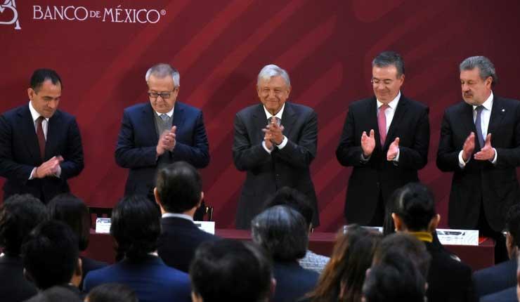 México: Ministros reducirán sus salarios