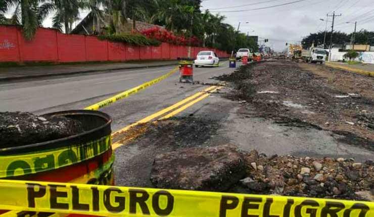 Trabajos en la Av. Quito, provoca paso a un carril