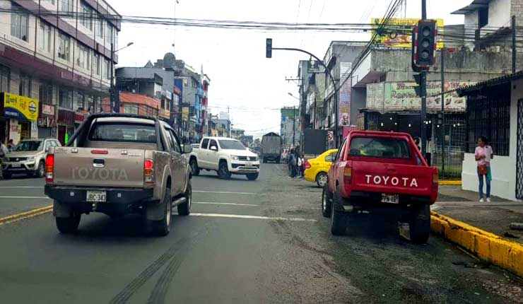 Choferes reclaman por semaforización en Santo Domingo