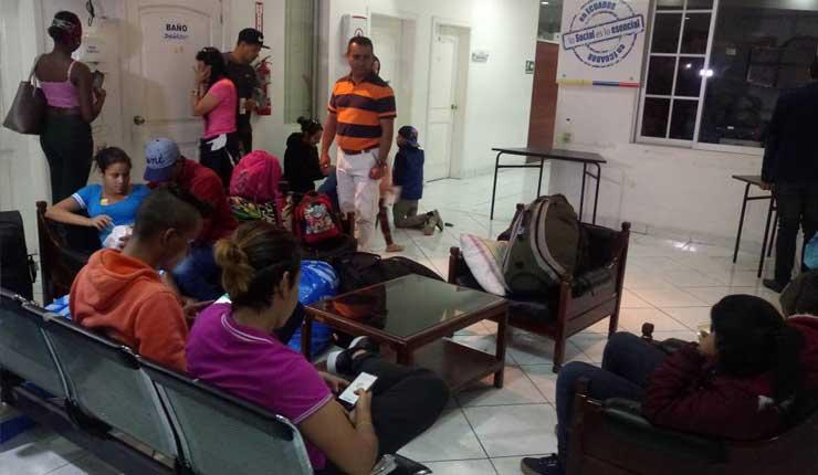 Familias venezolanas abandona Ibarra para retornar a su país