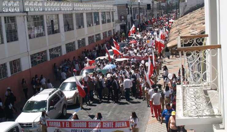 Ibarra: Estudiantes marchan en contra de la xenofobia