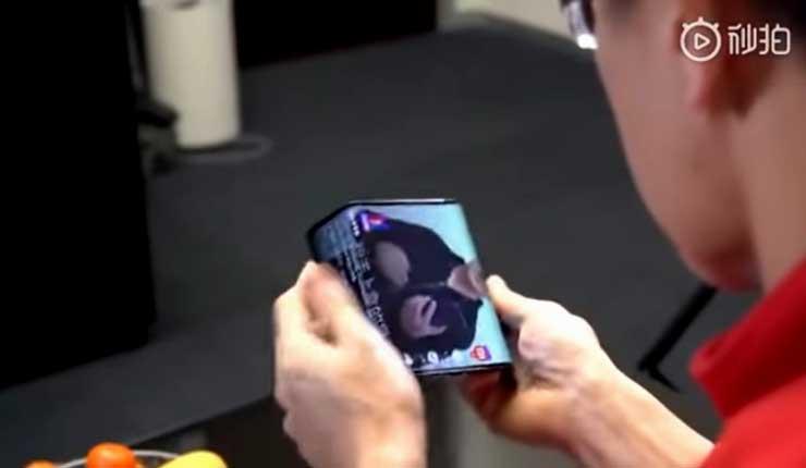 Xiaomi presenta su nuevo teléfono inteligente con pantalla plegable