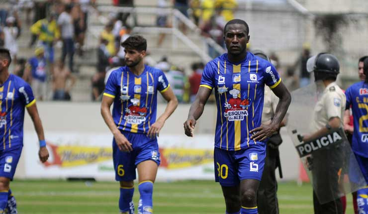 Delfín, Deportes, Copa Libertadores,