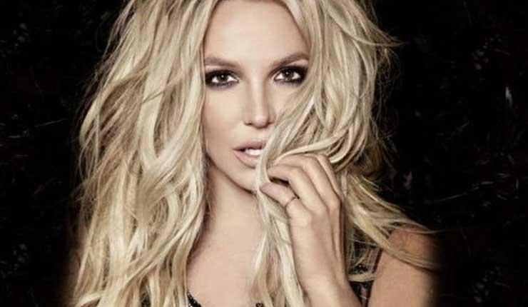 Britney Spears, Cantante, Farándula,