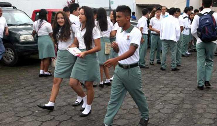 Estudiantes, Clases, Santo Domingo,