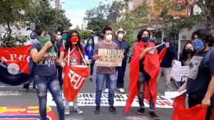Estudiantes en Ecuador rechazan recortes de presupuesto público