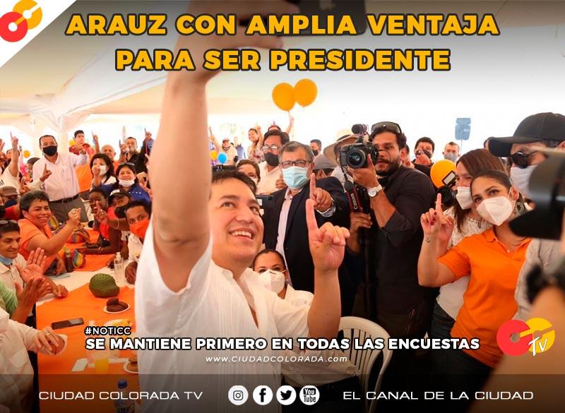 Andrés Arauz se mantiene primero en las encuestas