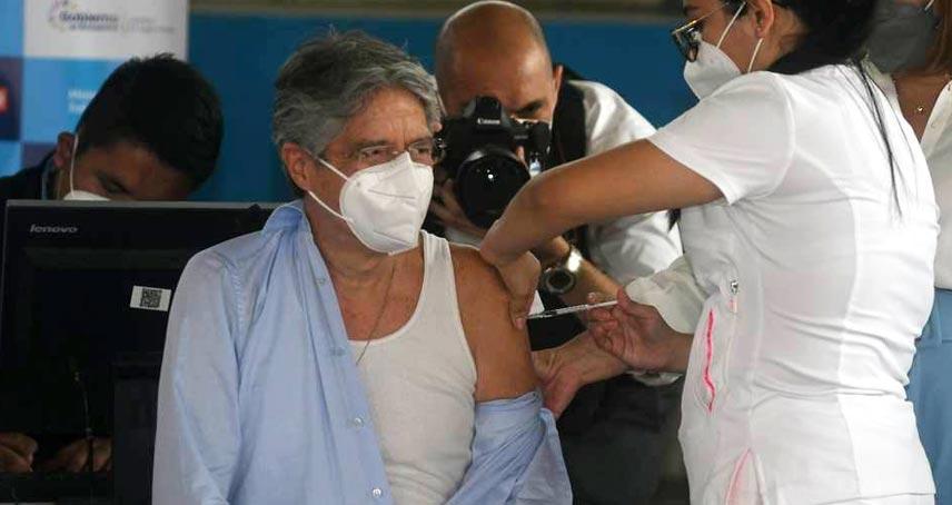 Guillermo Lasso Vacuna